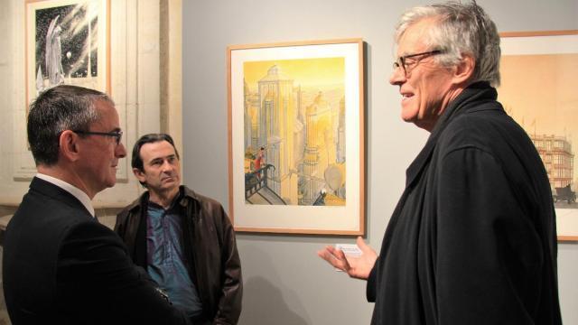 Jean-Michel Batailler, conseiller départemental, Benoît Peeters et François Schuiten, lors du vernissage de l'exposition. (Ouest-France)